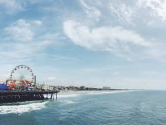 Santa Monica Pier, California by robertbye (Unsplash.com)