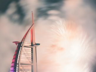closeup photo of Burj Al Arab, Dubai by simbrock (Unsplash.com)