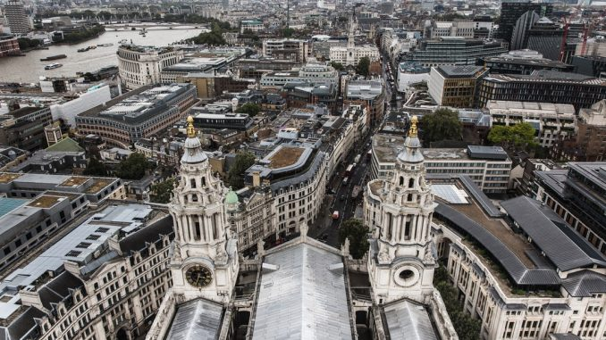 aerial view of london by thkelley (Unsplash.com)