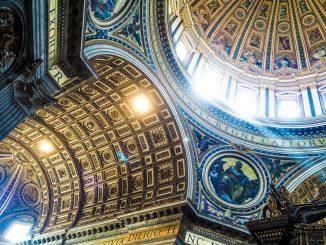 Catholic dome ceiling by jtlns (Unsplash.com)