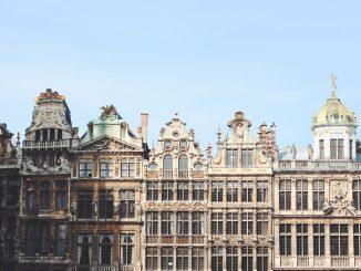 Facade view of buildings. by marius_badstuber (Unsplash.com)