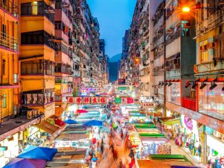 Mong Kok Night Market by francoishurtaud (Unsplash.com)