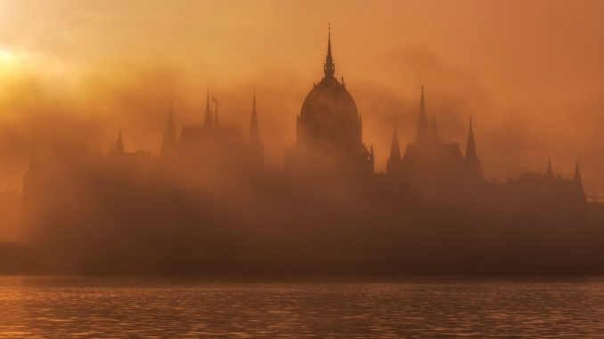 Hungarian Parliament in Hungary. by danesduet (Unsplash.com)