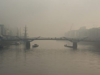 Foggy City Silhouettes by pgaert (Unsplash.com)