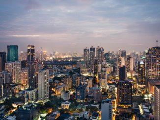 Cityscape of Bangkok Downtown by andreasbruecker (Unsplash.com)