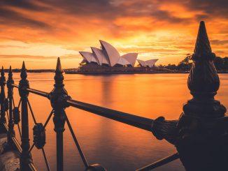 A stunning sunrise, captured behind the famous Sydney Opera House. Image taken at Circular Quay, Sydney, Australia. by liampozz (Unsplash.com)