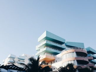 South Beach, Miami by itsnwa (Unsplash.com)
