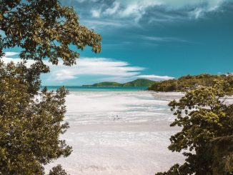 Rawai beach Phuket by vitalysacred (Unsplash.com)
