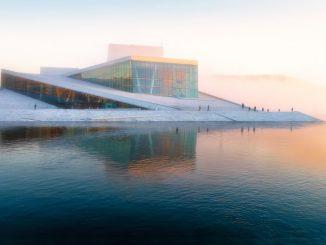 Oslo Opera House by vidarnm (Unsplash.com)