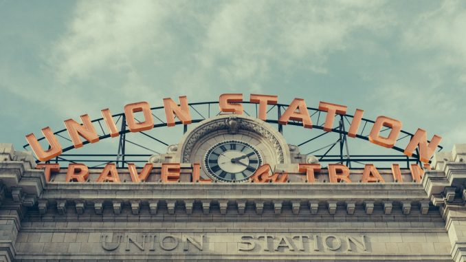 My wife and I decided to go enjoy a beautiful day in downtown Denver, so wee took our cameras and enjoyed taking in some of the various sights and angles I often neglect while walking around down there. by apreble (Unsplash.com)