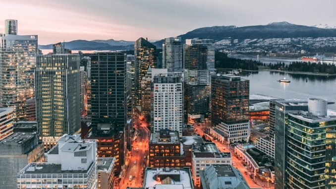 VanCity is ranked among the best cities to live in. It's obvious, who doesn't like mountains, beaches and a beautiful skyline? by adityachinchure (Unsplash.com)