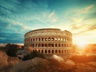 Colosseo - Rome by willianwest (Unsplash.com)
