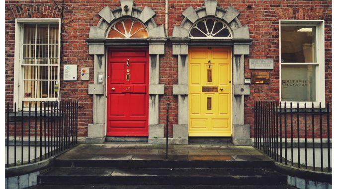 red and yellow, red and yellow, red and yellow by diesektion (Unsplash.com)