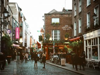 Temple Bar, Dublin by diogopalhais (Unsplash.com)