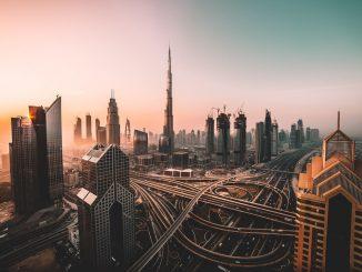Sunrise shot of Downtown Dubai and Burj Khalifa. by david__r (Unsplash.com)