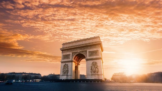 Arch of Triumph - Paris - France by willianwest (Unsplash.com)