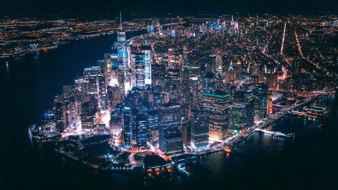 Above the City. by trapnation (Unsplash.com)