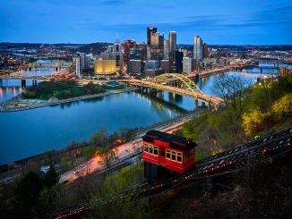 Pittsburgh by night, Duquesne Incline in front. by vidarnm (Unsplash.com)