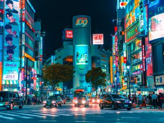 Shibuya crazy by jezael (Unsplash.com)