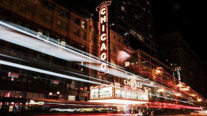 Chicago nighttime by nealk (Unsplash.com)