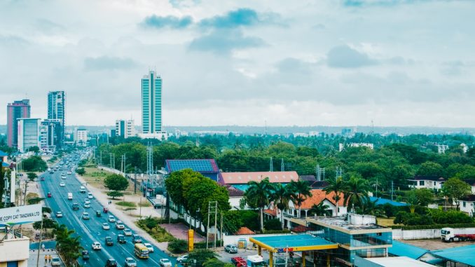 City of Dar es Salaam, Tanzania. Bagamoyo Road - Taken from Tanzanite Park by k15photos (Unsplash.com)