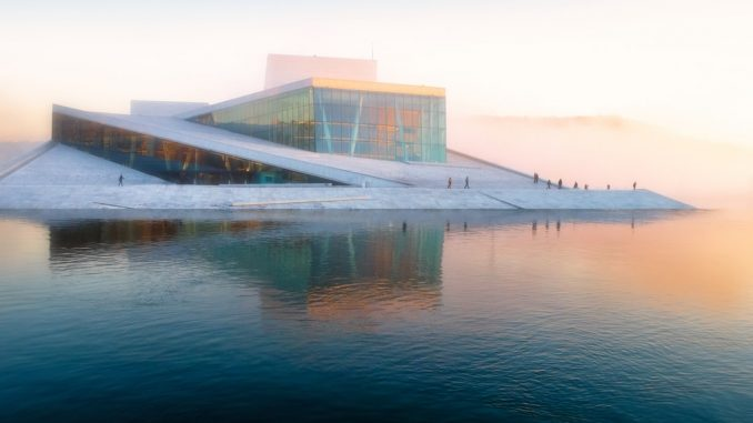 Oslo Opera House by vidarnm (Unsplash.com)