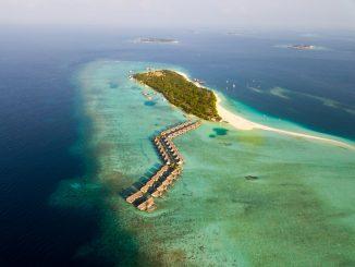 Maldives by zunnu (Unsplash.com)
