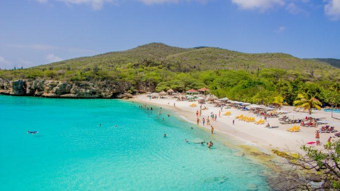 Most beautiful beach I've ever see! by jor9en (Unsplash.com)