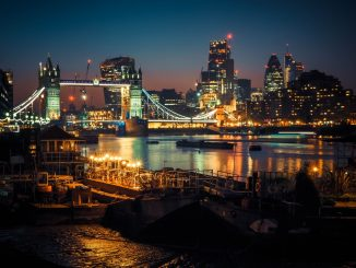 London Afterglow by alxndr_london (Unsplash.com)