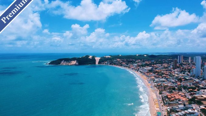 Shot taken with DJI Spark in a beautiful summer day in Ponta Negra Beach (Natal, Brazil). One of the most popular destinations in Brazil. by pedromenezes (Unsplash.com)